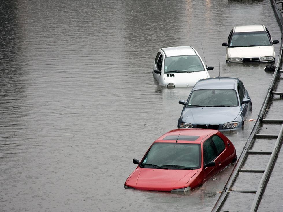 Jak rozpoznać auto po powodzi? Eksperci zAutoplac wyjaśniają
